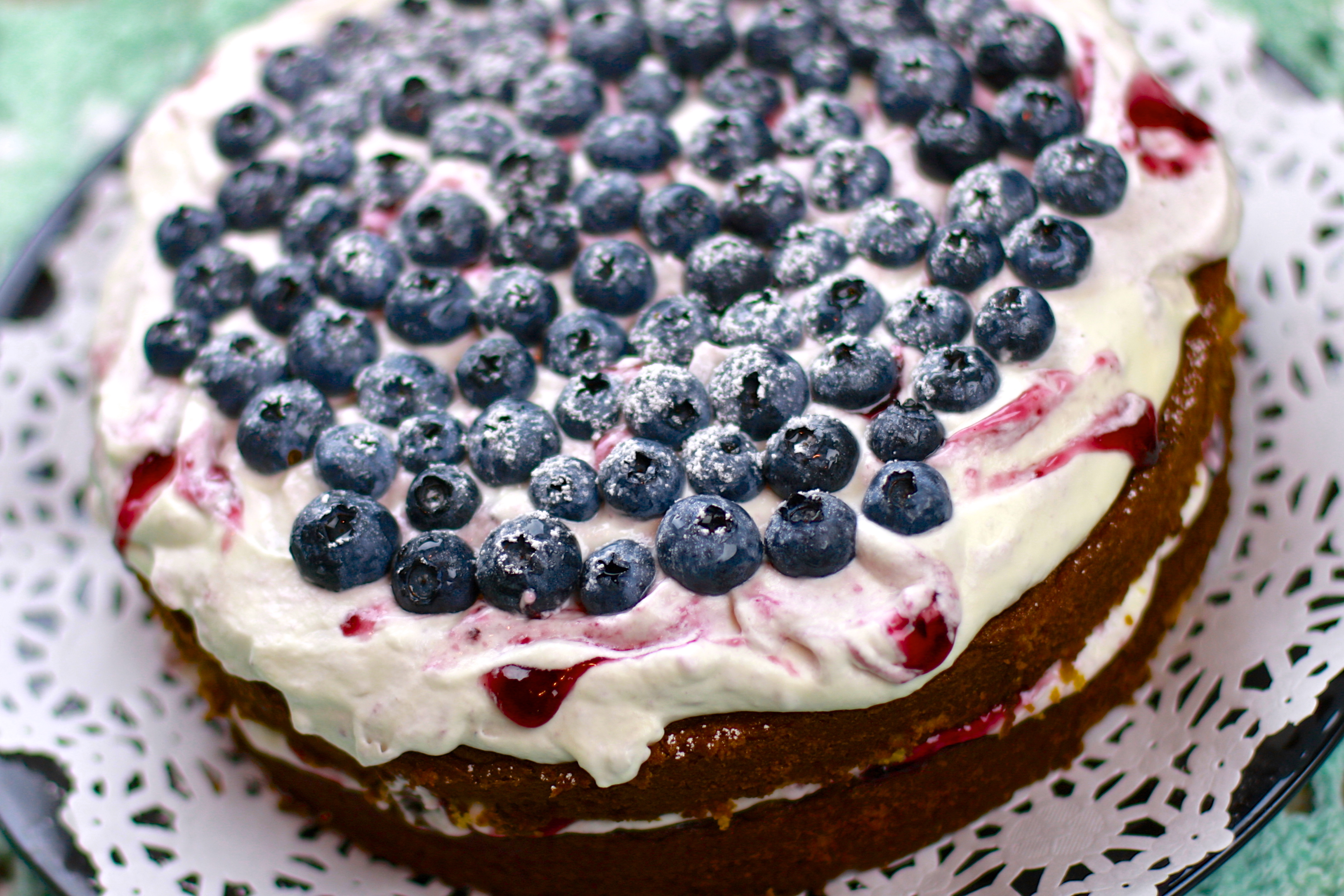 Blueberry Cake – Enjoy Berries While It's Still in Season!